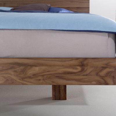 Füße Bett Nido in Nussbaum