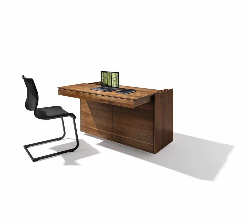Sekretär Filigno von Team7 in Nussbaum mit ausgezogener Tischplatte